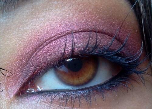 Color rame o bronzo per valorizzare gli occhi. Kiko N. 137