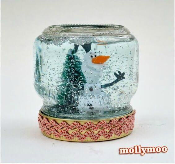 photo credits: http://diyready.com/60-cute-and-easy-diy-gifts-in-a-jar-christmas-gift-ideas/