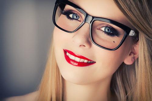 makeup con gli occhiali